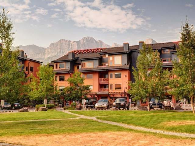 Bliss at Canmore Crossing - Modern, 2 Bedroom!