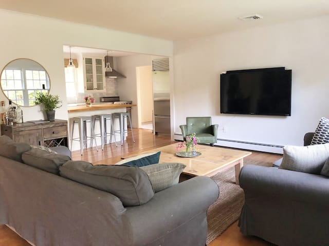 New Listing! Renovated 3BR Near Town/Beach