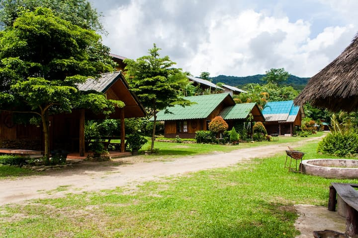 Ploy Praew Resort Doi inthanon, พลอยแพรวรีสอร์ท - Chiang Mai - Apartment