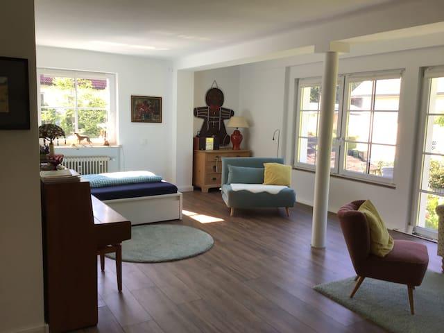 Wunderschönes, großes Zimmer