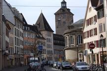 La rue des bouchers sur un rempart du XIIe siècle