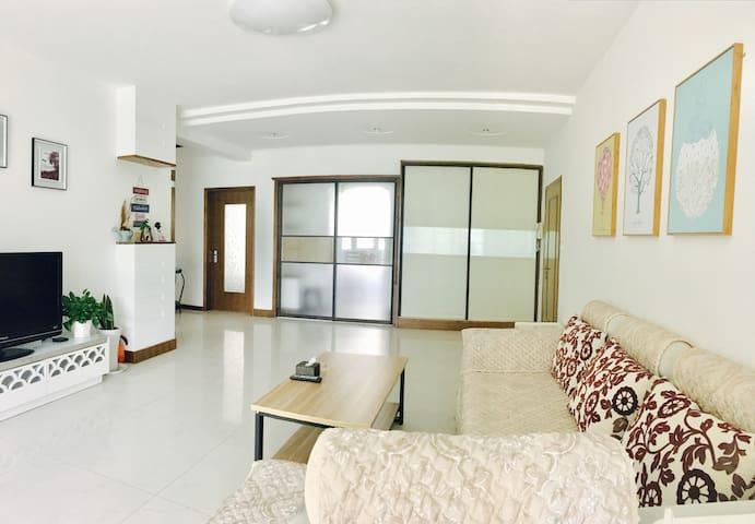 海上公园和悦海公园怀抱之中,简洁温馨两居室