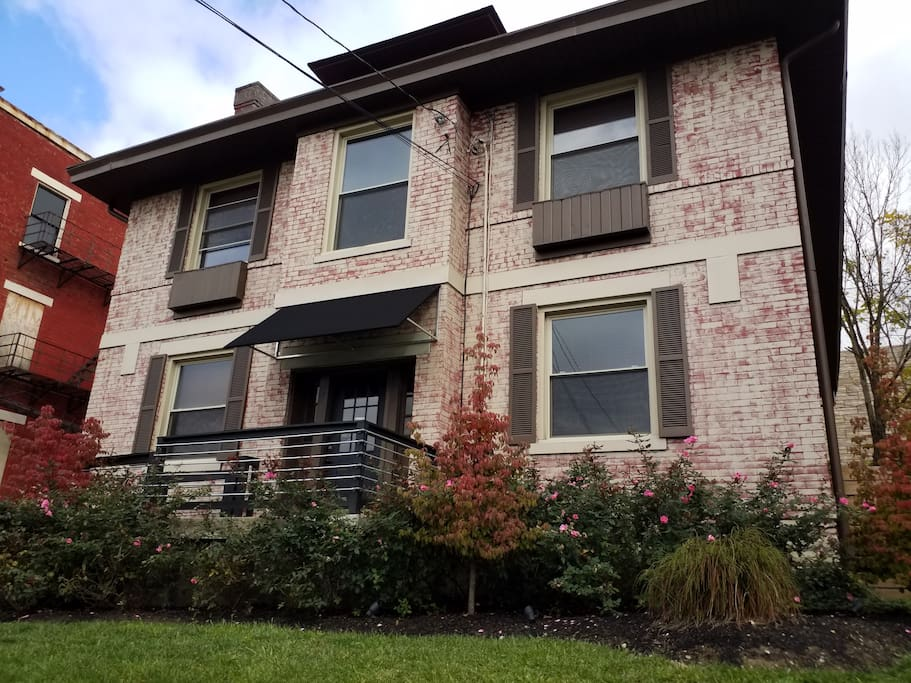 Zoo Vine Amazing 2 Bedroom Near Zoo Hospitals Uc Apartments For Rent In Cincinnati Ohio