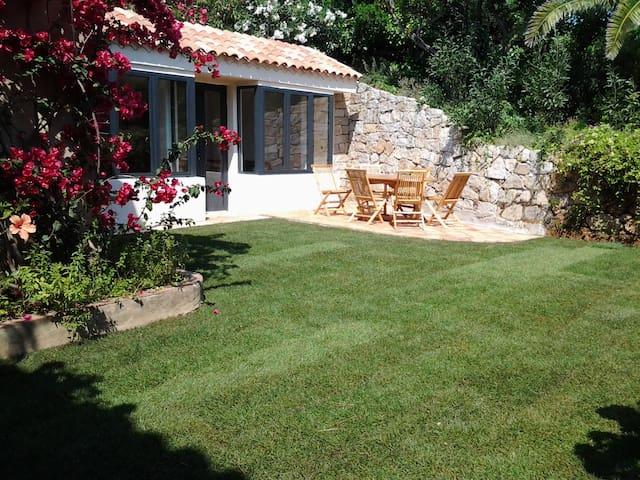 Rez de jardin dans écrin de verdure - Grosseto-Prugna - Villa