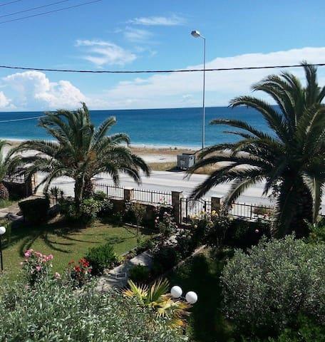 Krikonis Rooms, Velika Beach, Larissa - Velika