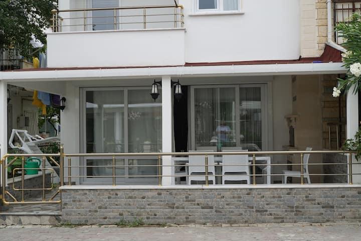 Hus nära stranden (50m)