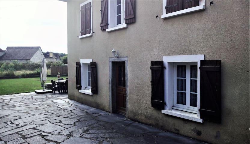 Maison typique du Béarn avec beaucoup de charme