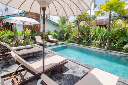 Sunny Bali Cabins in Canggu Village Fiber WiFi #T4 - North Kuta - Cabana