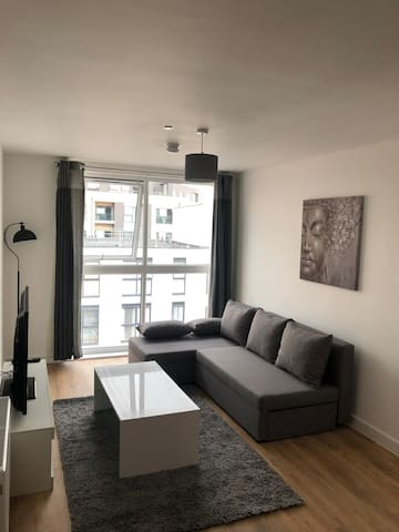 Quiet Modern luxury Apartment Birmingham Central!