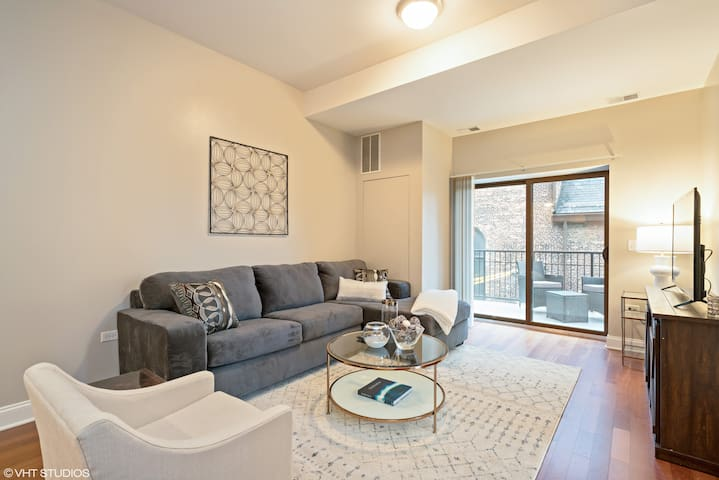 South Loop 2BR Apt Near McCormick by Domio