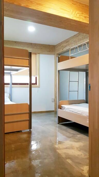 #202호_Room No.2_Quadruple_Dormitory