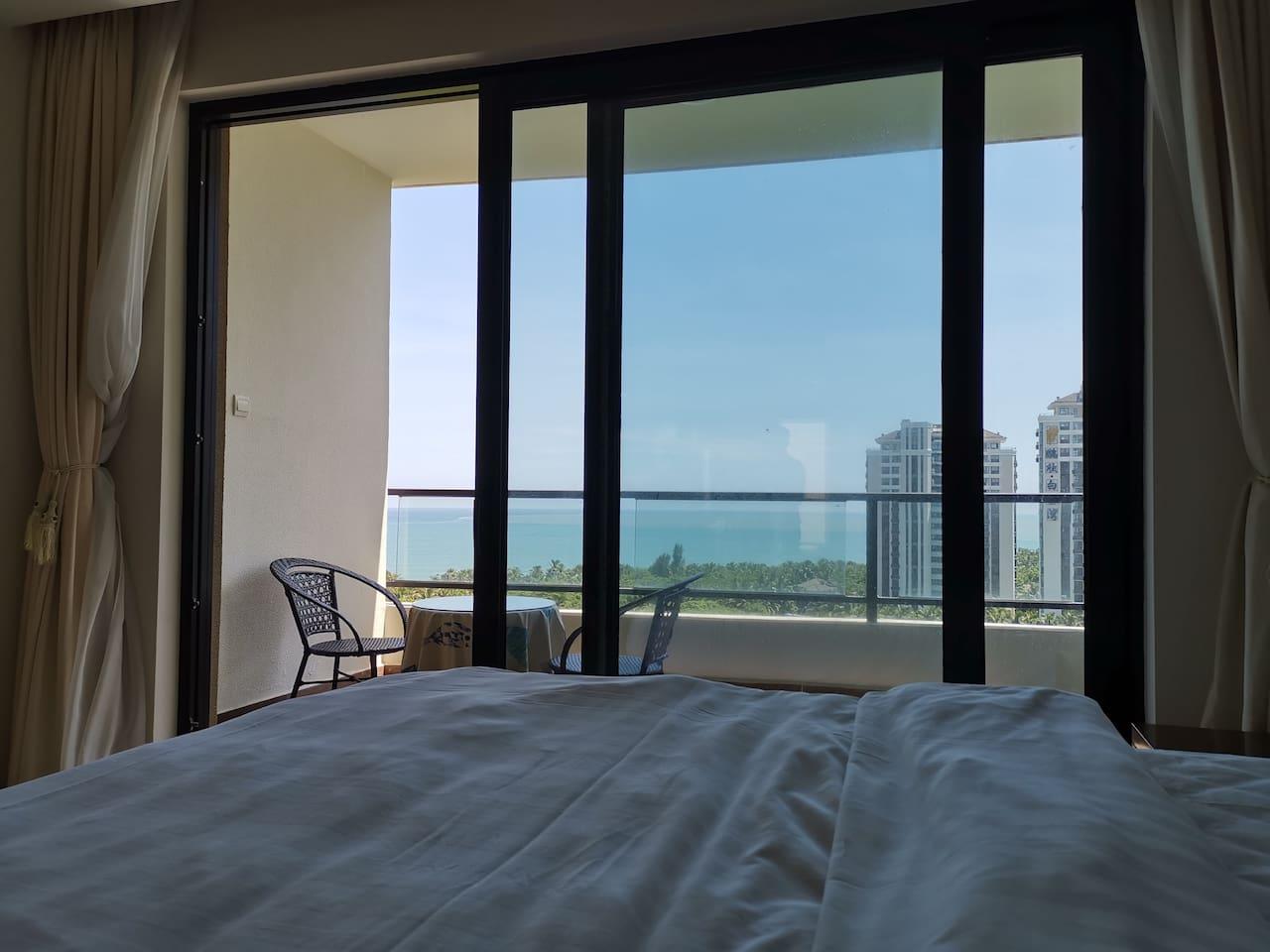 躺在床上就能看海