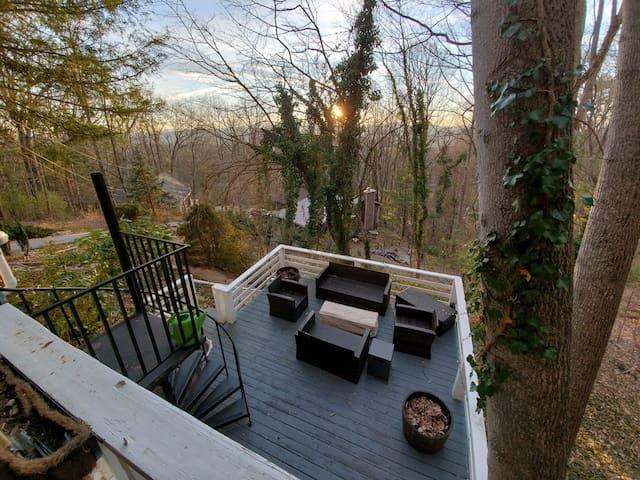 Getaway at The Hilltop Retreat
