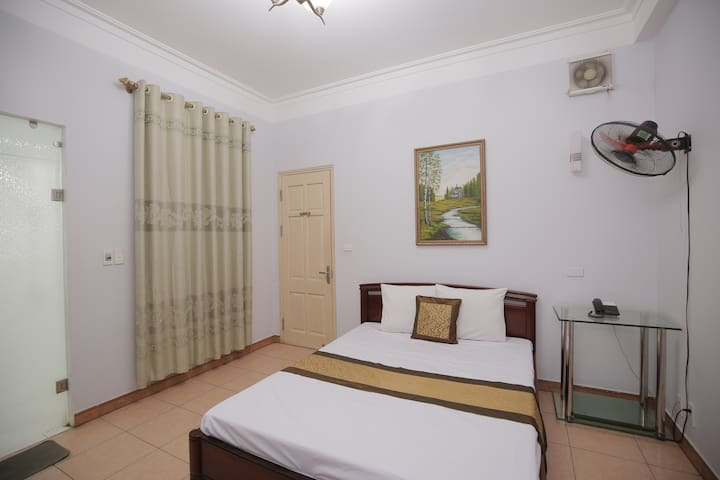 Affordable Hotel Rooms Close to Hanoi Sightseeings