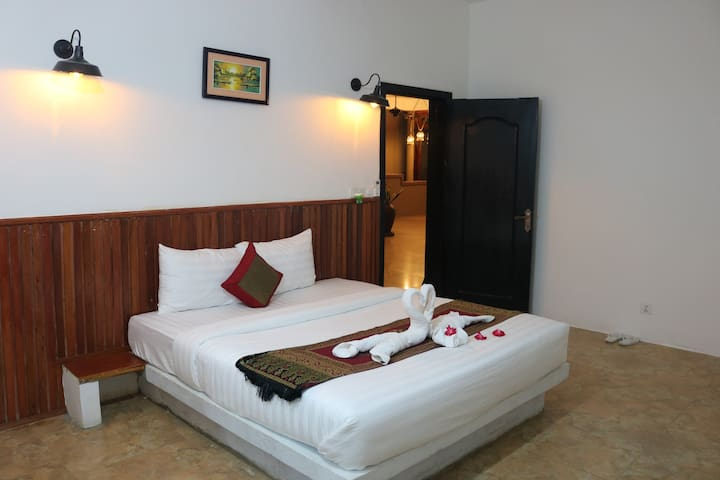 Deluxe Double room (free Wifi)