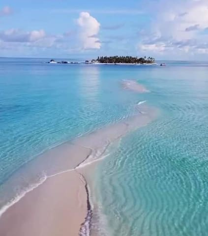 Affordable stay in Dhigurah Island