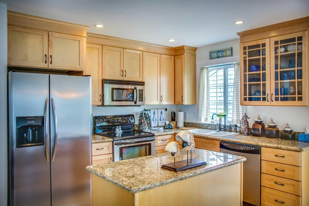 Granite kitchen with stainless appliances