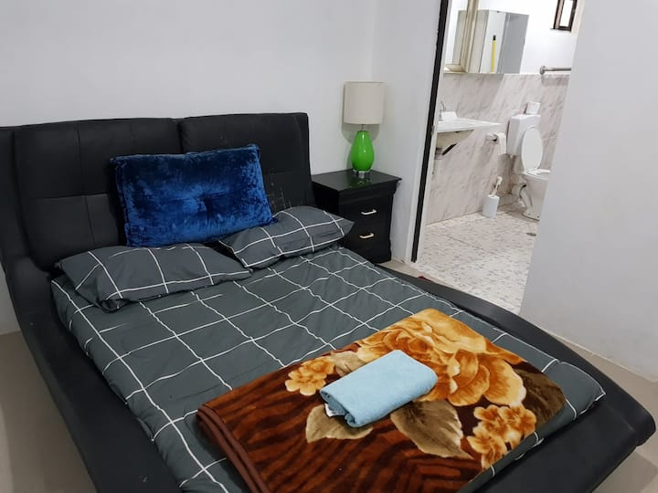 Apt 2  Ideal for group booking-FREE WI-FI