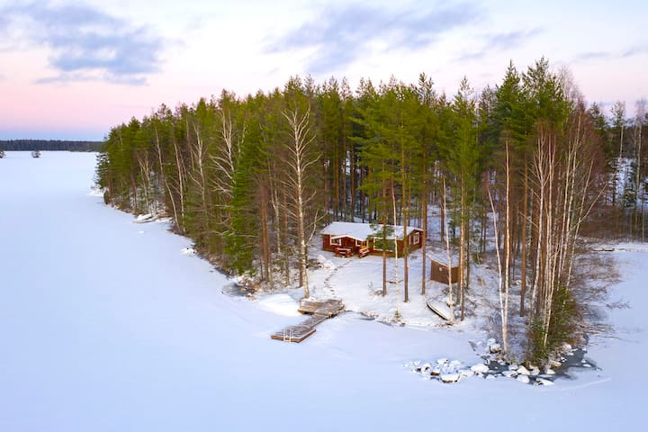Riihiniemi - Raudanniemi, with private beach