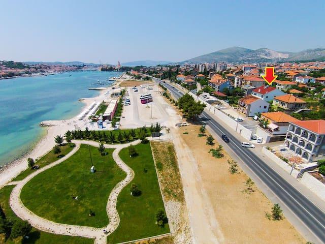 Close to the beach,Trogir & Split