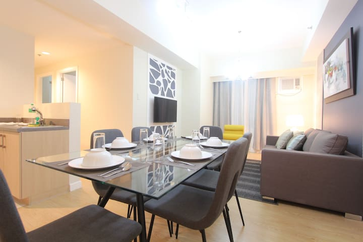 NEW!!! 3 Bedroom condo at the Grove by Rockwell