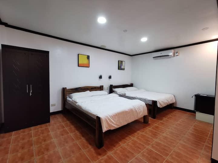 Family Room Atimonan, Quezon (Good for 4 pax)