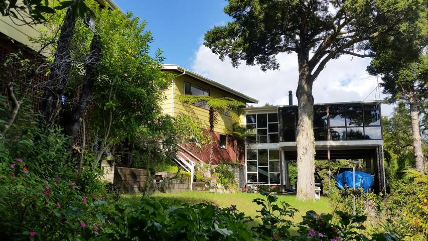 Paihia Town, Big House, Sea Views (listing 2)