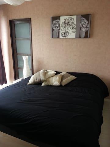 chambre 5 (1 lit double)