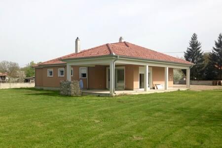 Le House - Legrad