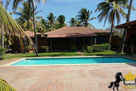 Hermoso Rancho de Playa privado - Miravalle