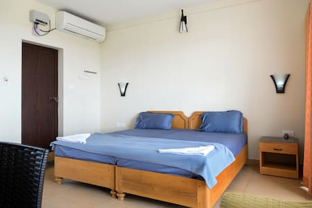 One Bedroom Deluxe Sea View room with Balcony - Ernakulam