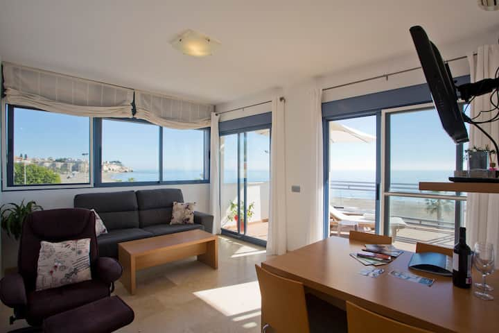 Apartment Superior with terrace and sea view