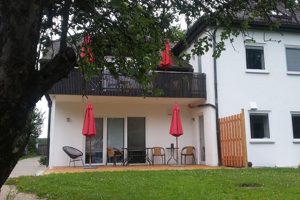 Unser Ferienhaus mit den verschiedenen FEWO's....
