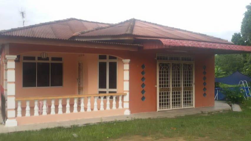 Homestay Banglo Pengkalan Balak - Masjid Tanah - Casa