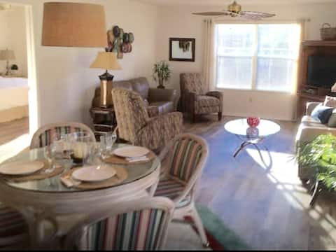 1BR/1BA Villages Villa near Lake Sumter - w/Cart