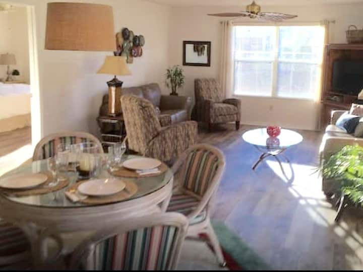 1BR/1BA Villages Villa near Lake Sumter - w/Cart