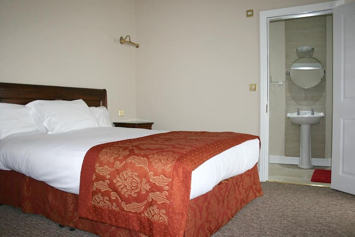 JBs Bar and Guest Accommodation