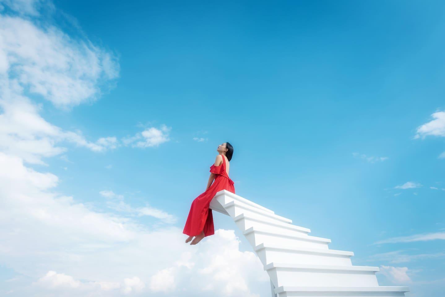 田野美宿专属的网红旋转天梯