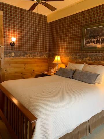 The Woodland Room @ The Waybury Inn