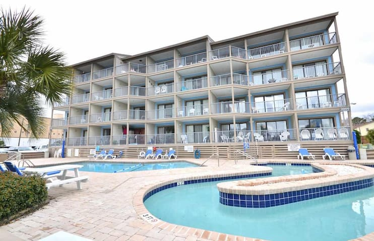 Myrtle Beach Condo with a View in Popular Resort