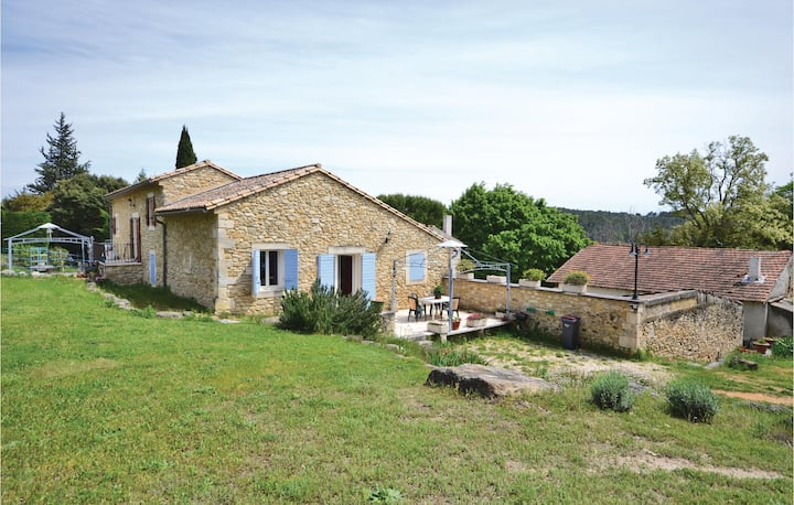Beautiful home in Bollène with Outdoor swimming pool, WiFi and Outdoor swimming pool