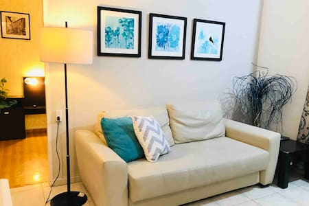 Bright & Cozy Apartment w/Parking