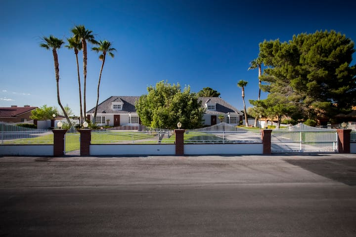Mansion Belle Oasis Perfect For Private/Corporate - Las Vegas - Casa