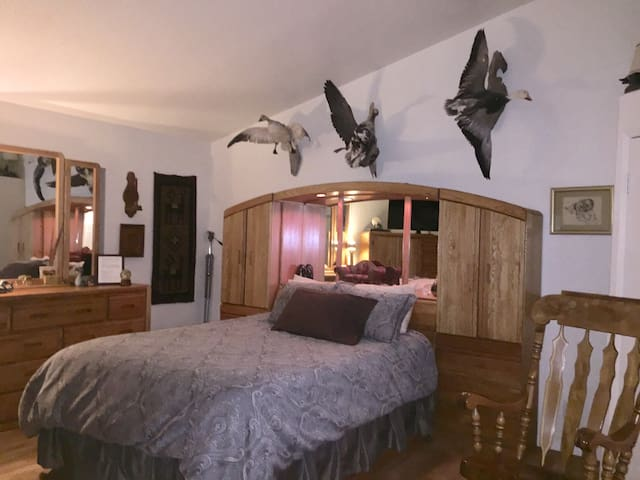 """""""Winchester Room"""" Sylvanie Ranch Private 5 Acres"""