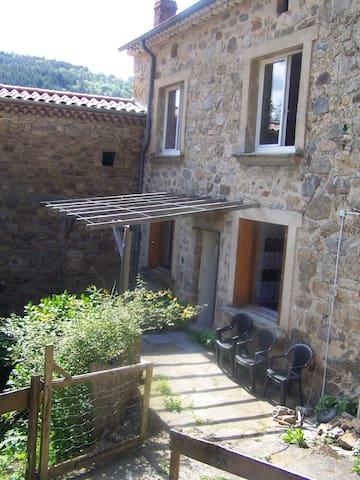 Maison individuelle à 8 Km de Saint Félicien - Saint-Félicien - Casa