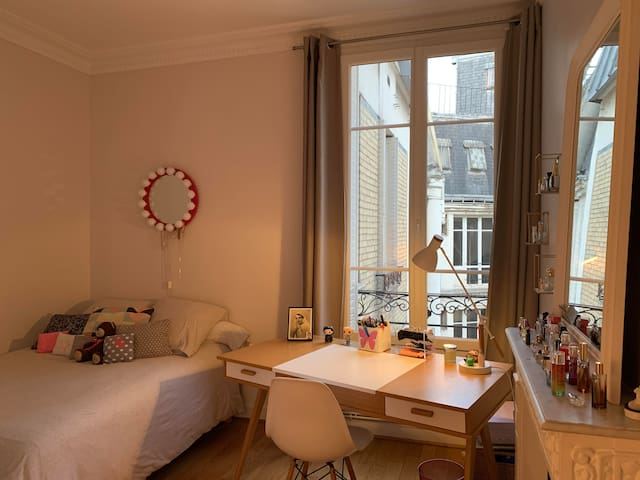 2 nice bedrooms with private bathroom in Paris 16e