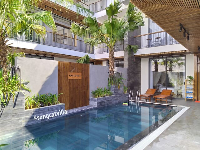 Big villa with private swimming pool-FREE pick up