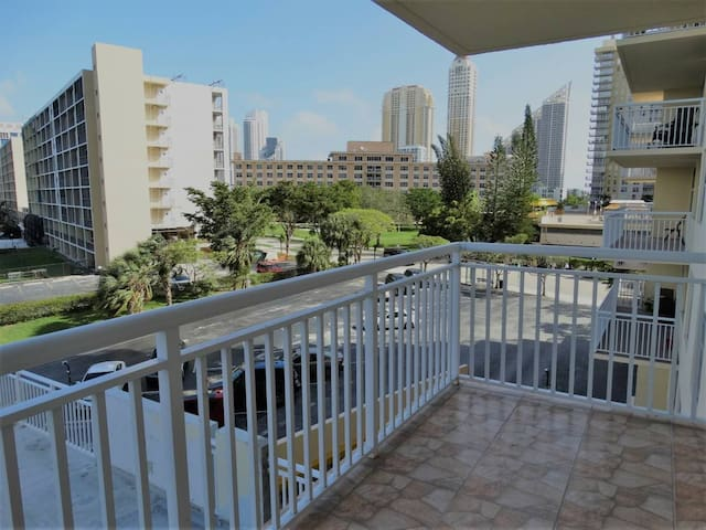 Private room in Sunny Isles Beach