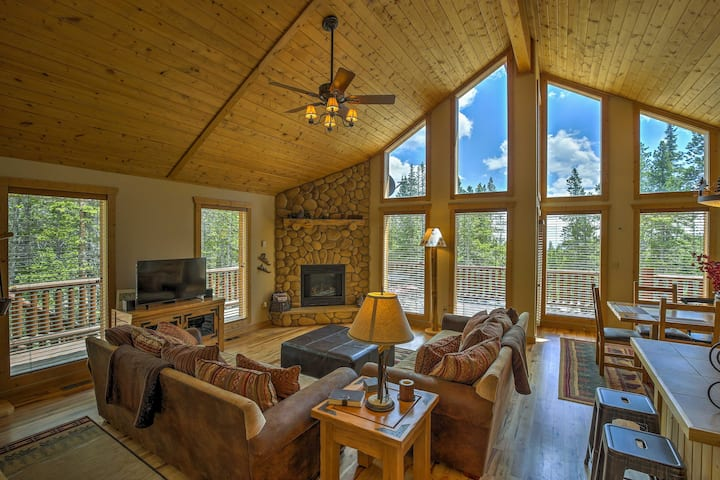 Log Cabin in the Woods w/Game Room & Mtn-View Deck