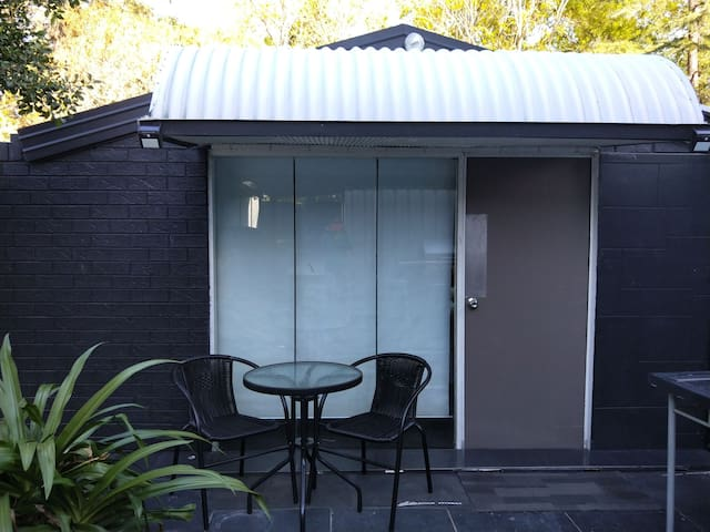 Granny Flat for Rent in Penrith near Nepean River